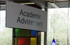 photo of Academic Advisement sign